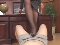 MISTRESS NYLON FOOTJOB