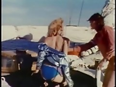 Lucky guy drills two chicks on yacht