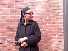 Ebony amateur babe Melanies public flashing