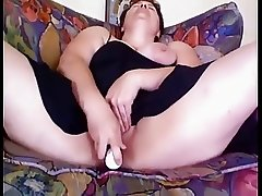 BBW cums from rabbit vibe